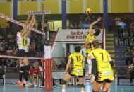 Praia Clube conta com saque e bloqueio para vencer Rio do Sul