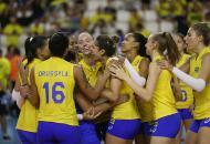 Natália aprova estreia do Brasil: