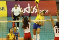 Brasil recorre ao banco para emplacar 2ª vitória sobre a R. Dominicana